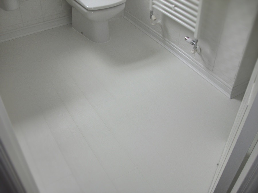 White bathroom laminate flooring gloucester s p dixon for Bathroom laminate flooring